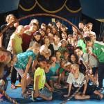 Clowns vom Sommerzirkus in Dreiskau-Muckern auf der Suche